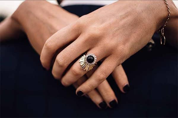 Ring-(2)